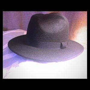 Brand new LEVI's (unisex) fadora hat